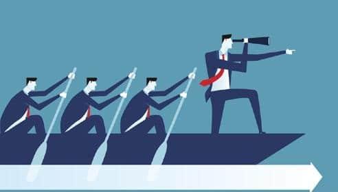 homem influenciando e liderando pessoas