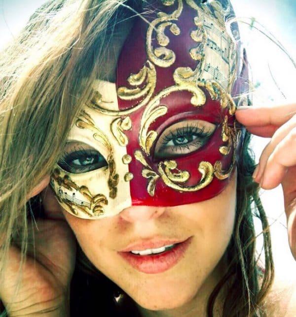 paolla oliveira olhos mascara